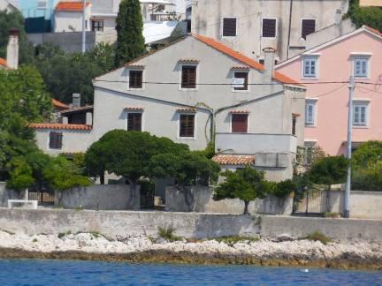 Samostojeća kuća na unijama, prvi red do mora