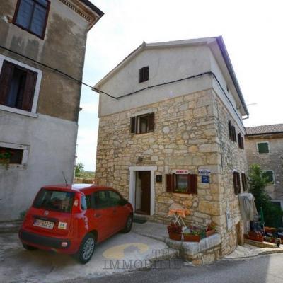 Kamena kuća u Višnjanu