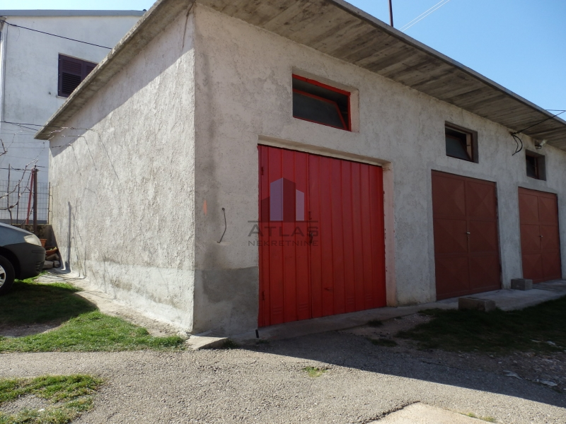 Čavle, trosobni stan + garaža