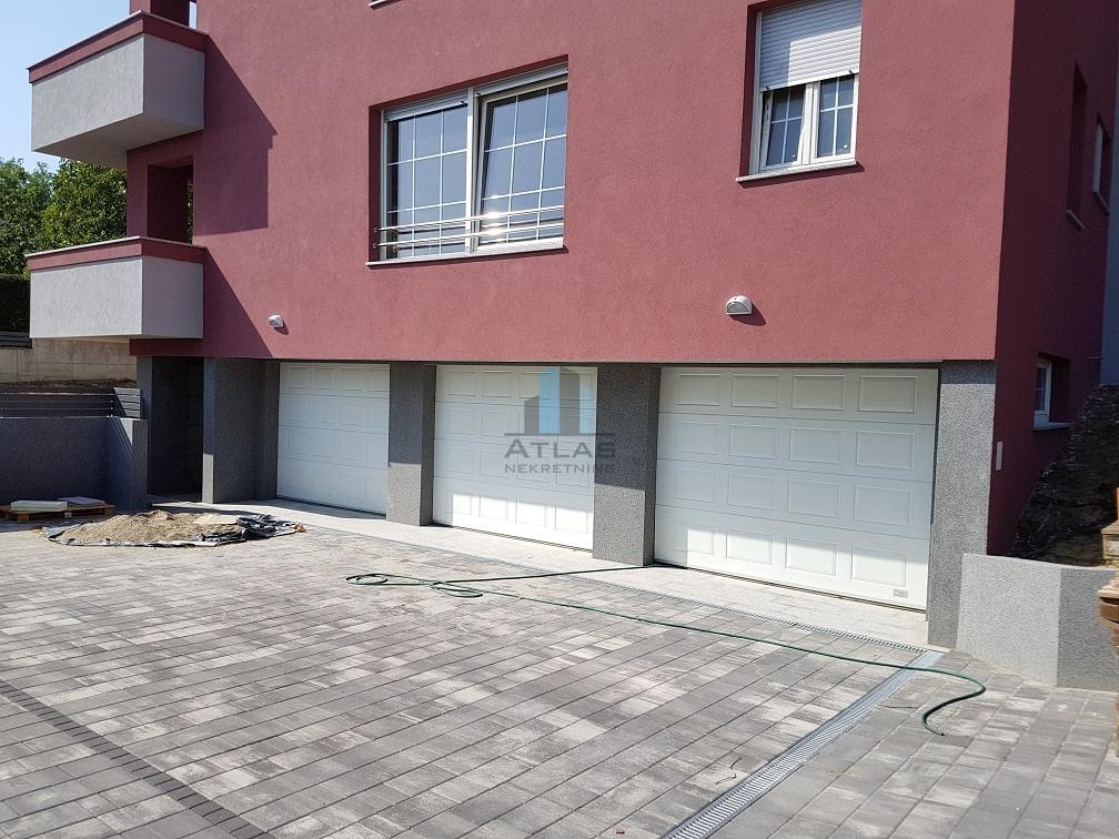 Zagreb, Perjavica, 3S + DB, terasa, vrt, garaža