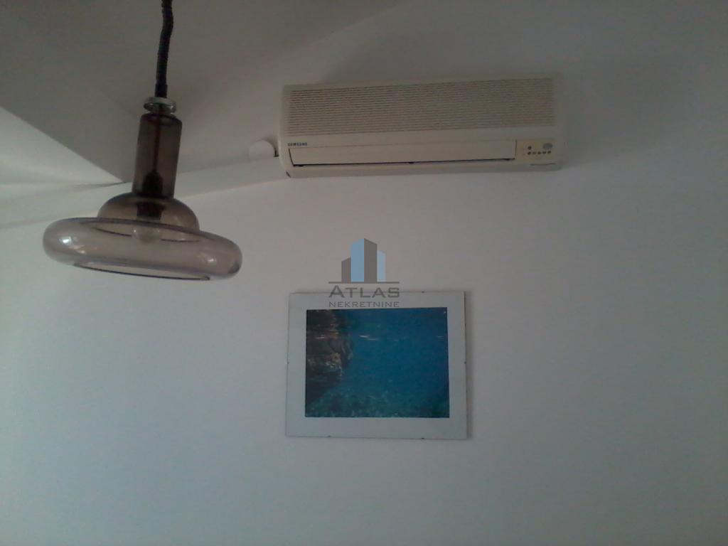 Karlobag, CENTAR, 1,5-sobni, 28 m2 PRILIKA