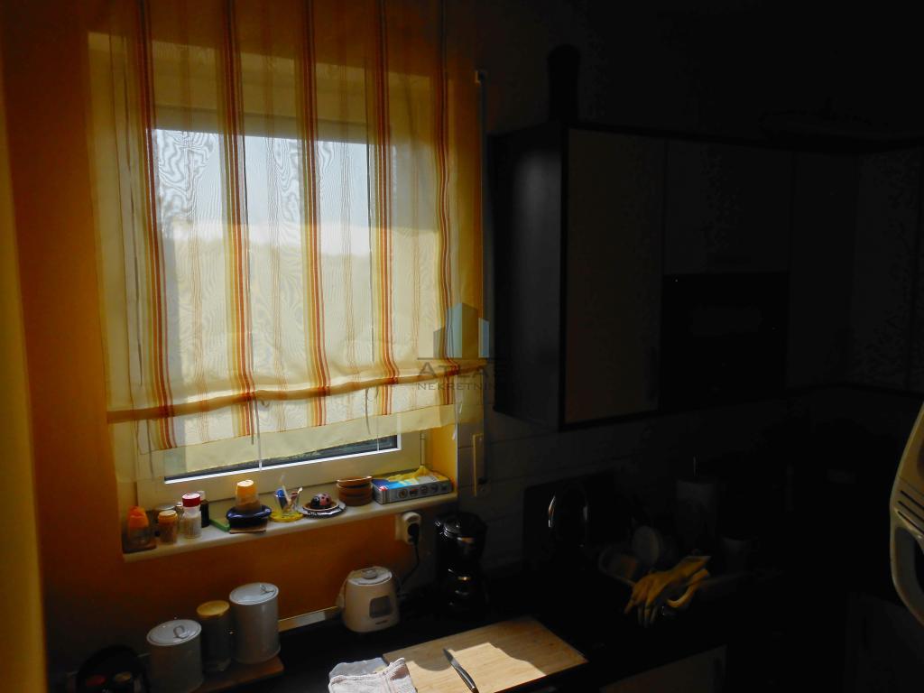 Zagreb, Gornji Stenjevec, trosoban stan, 69 m2