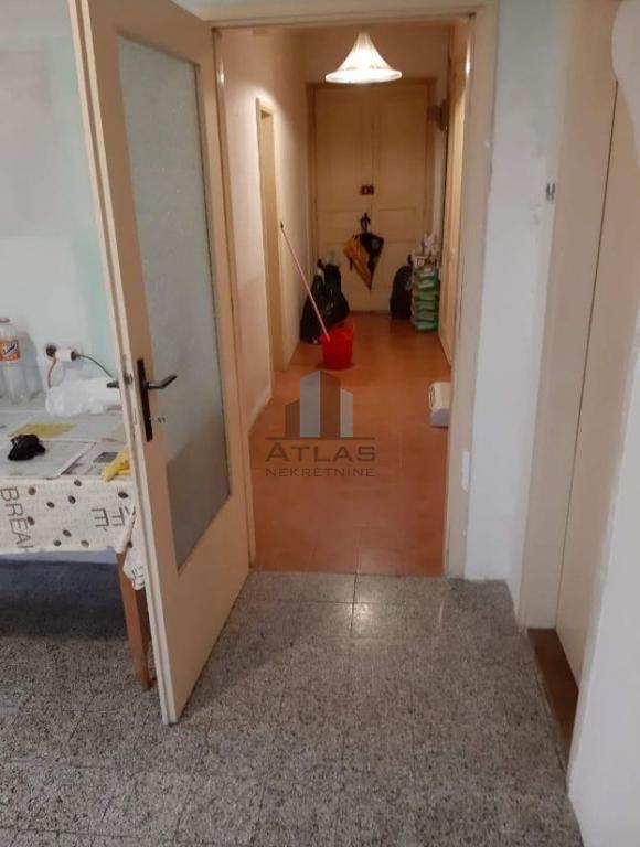 Rijeka-širi centar, četverosobni stan u adaptaciji