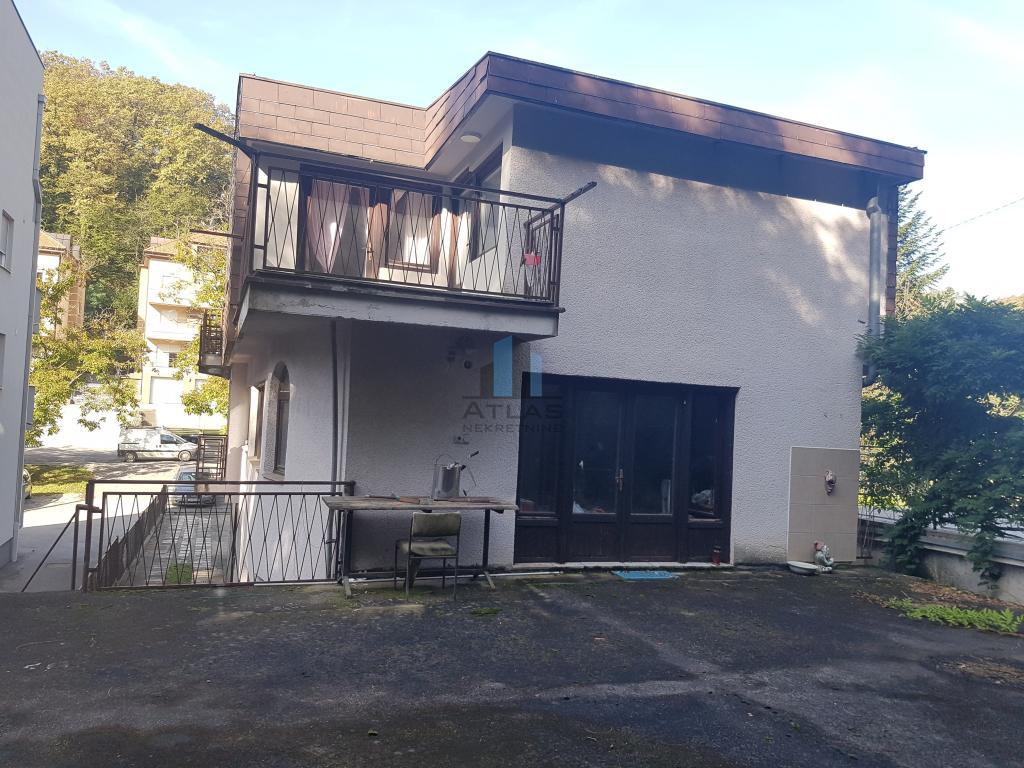 Šestinski Dol, kuća sa 3 stana + garaža i okućnica