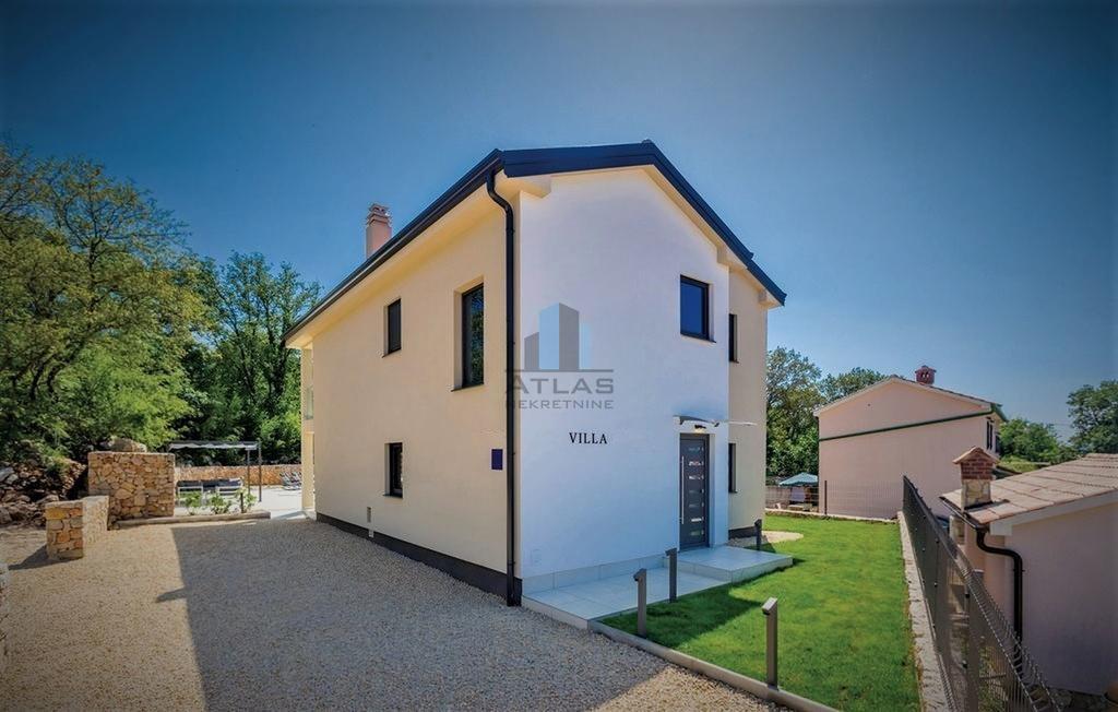 Dobrinj, samostojeća kuća s bazenom, P+1, 135 m2!