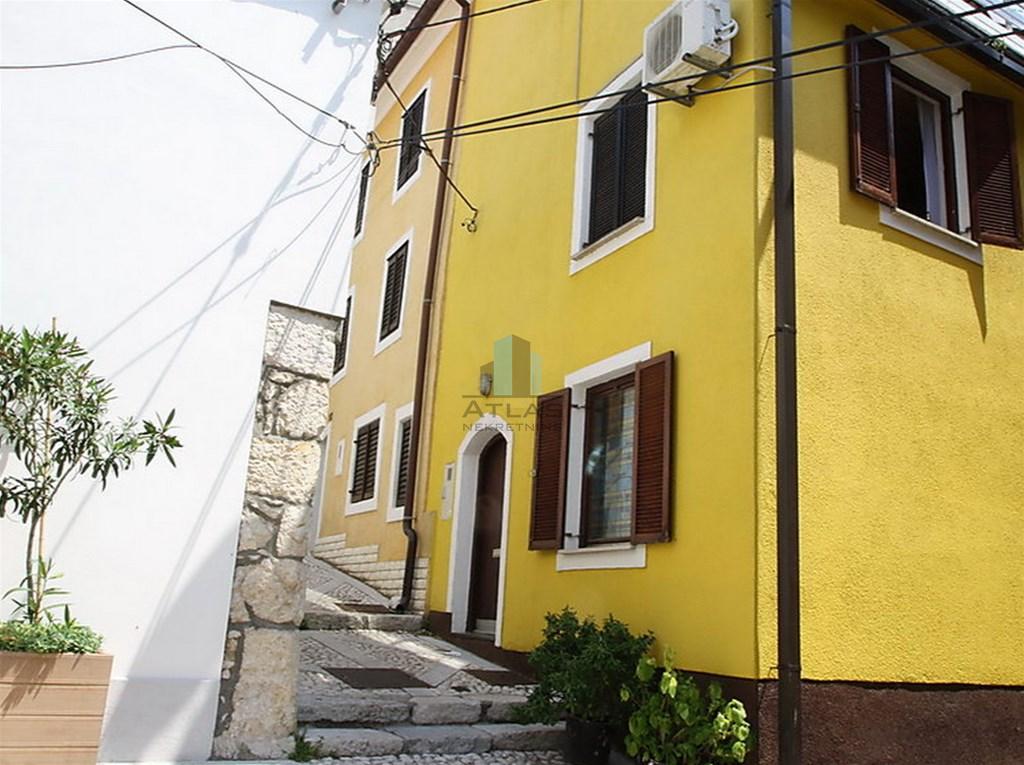 Novi Vinodolski, lijepa kuća u staroj jezgri