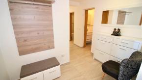 Lovran, luksuzan prizemni apartman s okućnicom