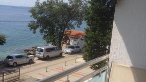 Novi Vinodolski, Bribirska obala, 2S+DB, prvi red od mora