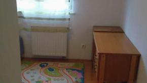 Zagreb, Retkovec, četverosoban stan pov. 80 m2, 2 balkona