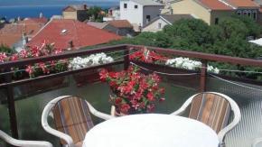 Novi Vinodolski, stan u centru: 2S+DB+balkon