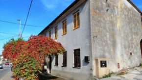 Marinići, kuća u adaptaciji, 241 m2