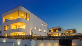 Malinska, luksuzna dvojna kuća s bazenom, pogledom, 200 m od mora!