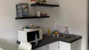 Krimeja, garsonijera 24 m2, kompletno namještena