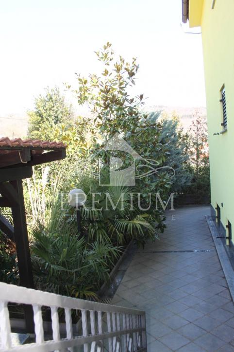 FLAT IN A VILLA WITH A BEAUTIFUL VIEW OF KVARNER