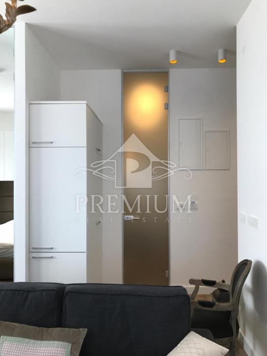 EXCLUSIVE APARTMENT FOR RENT, 45 m2, CENTER, RARE IN THE MARKET !!!