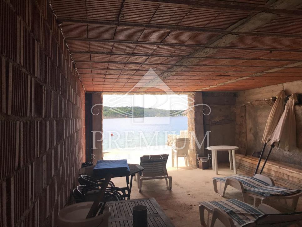 VILA 417 m2, PRVI RED UZ MORE, PREKRASNA POZICIJA