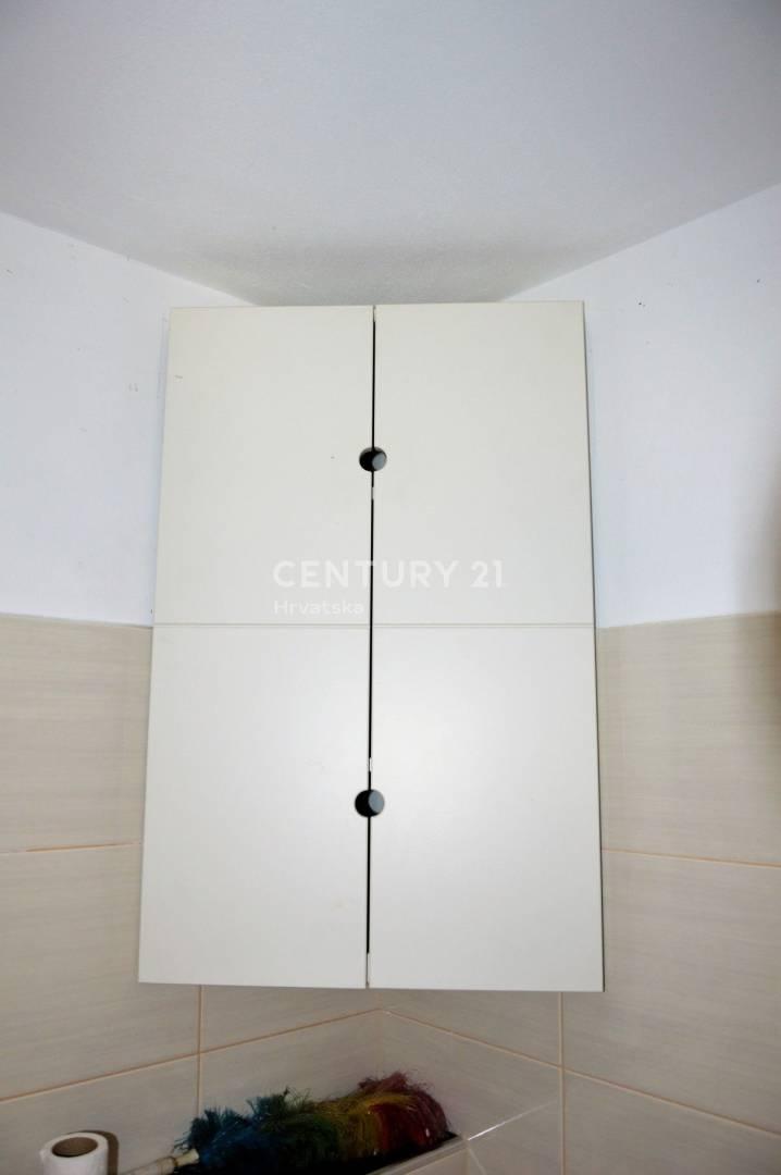 PULA: Najam poslovnog prostora 40m2