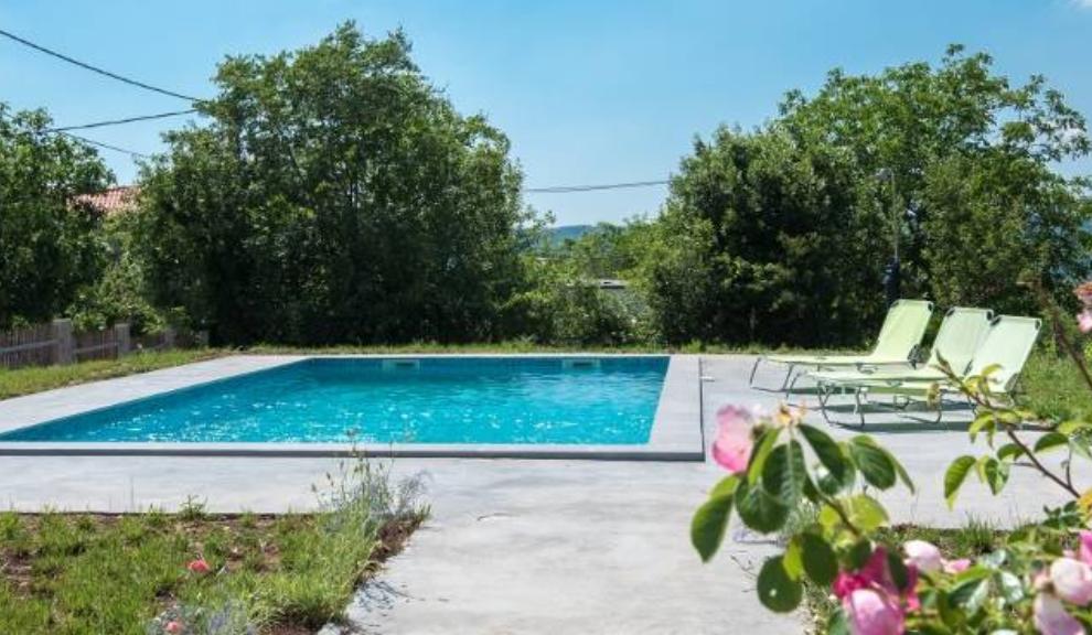 Nekretnine u Istri, Labin-Rabac okolina, kamena kuća sa bazenom