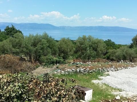 Nekretnine u Istri, Labin-Rabac okolina, građevinsko zemljište sa pogledom na more i građevinskom dozvolom