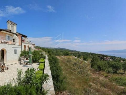 Istra, Labin-Rabac, Kuća s pogledom na more