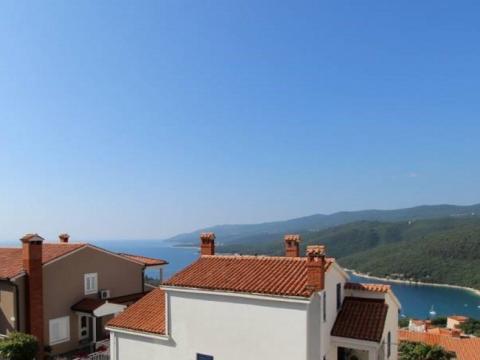 Istra, Labin, Rabac, stan s pogledom na more