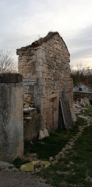 Nedovršena kuća 19km od Poreča