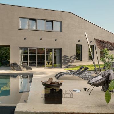 Moderna dizajnerska villa sa bazenom smještena u središnjoj Istri