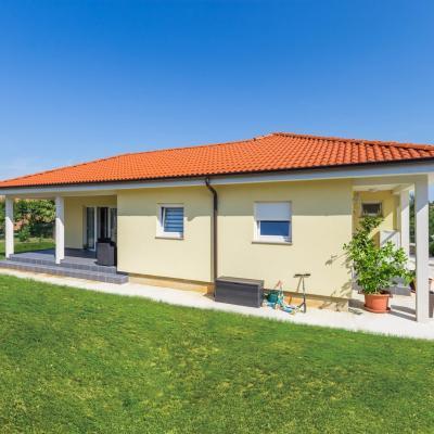 Schönes Haus mit großem Garten, 181m2